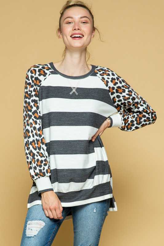 PLUS SIZE-LEOPARD SLEEVE CONTRAST KNIT TUNIC TOP