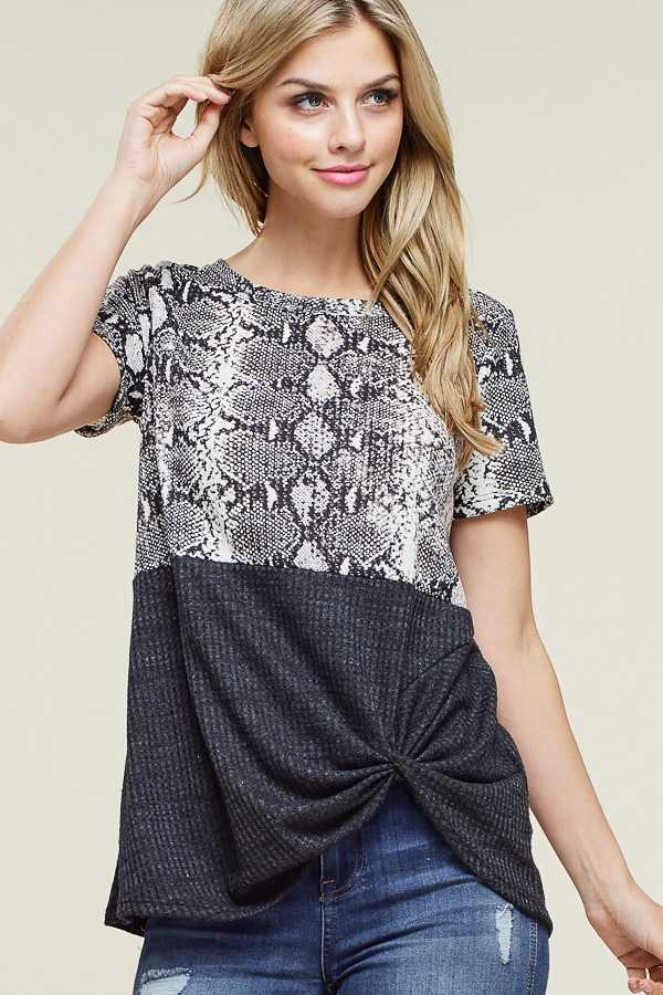 SNAKE PRINT KNOTTED TOP