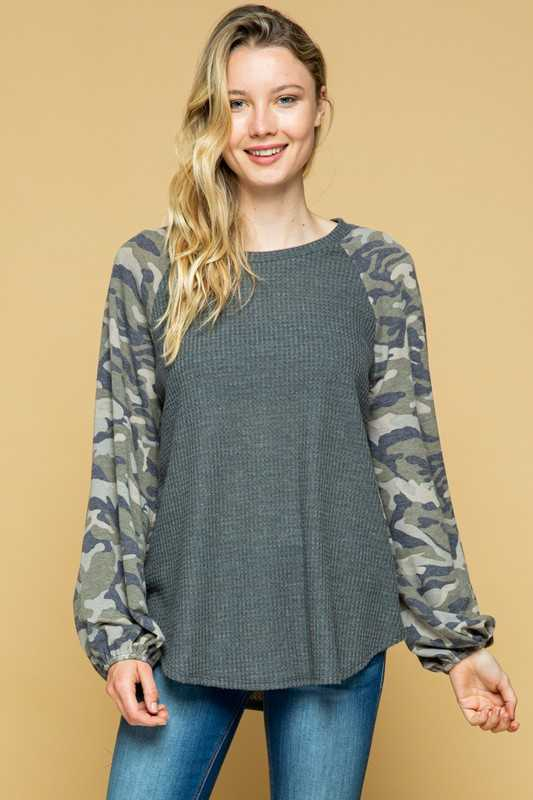CAMOUFLAGE SLEEVE CONTRAST TUNIC TOP