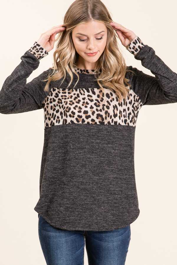 LEOPARD PRINT CONTRAST LONG SLEEVE TOP