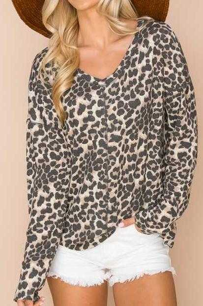 PLUS SIZE-V NECK ANIMAL PRINT TUNIC TOP
