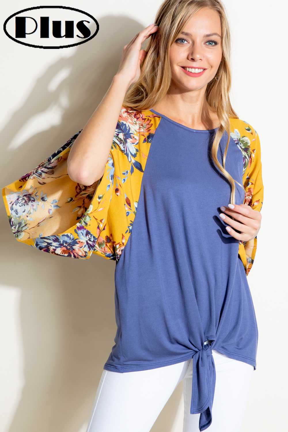 PLUS SIZE KNOTTED HEM FLORAL SLEEVE CONTRAST TOP