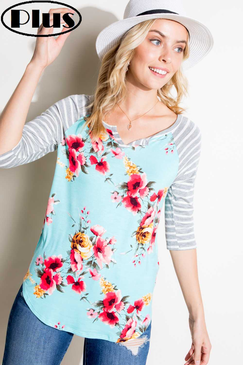 PLUS SIZE 3/4 SLEEVE FLORAL PRINT DETAILED TOP