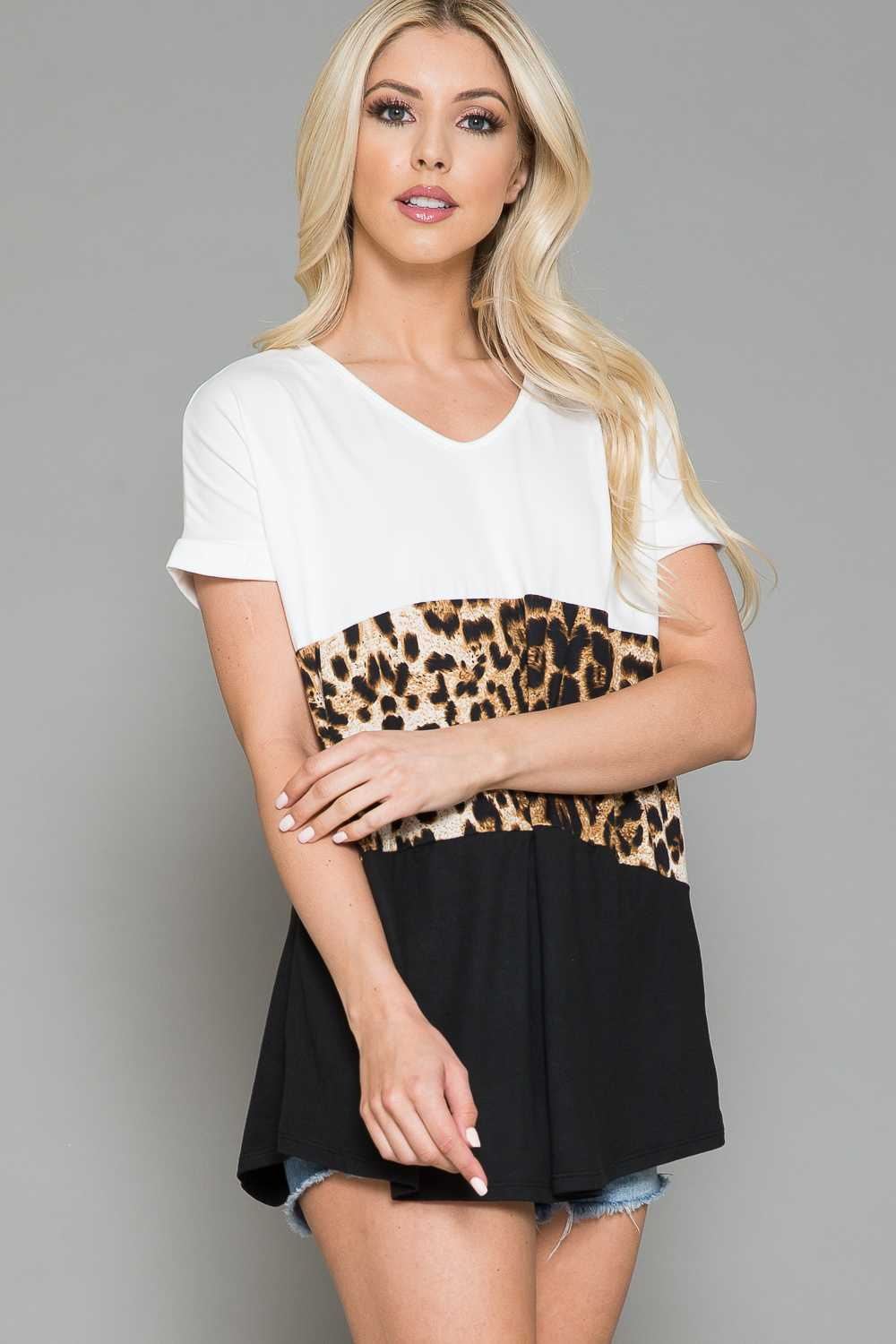 EXTRA PLUS SIZE-ANIMAL PRINT CONTRAST TUNIC TOP
