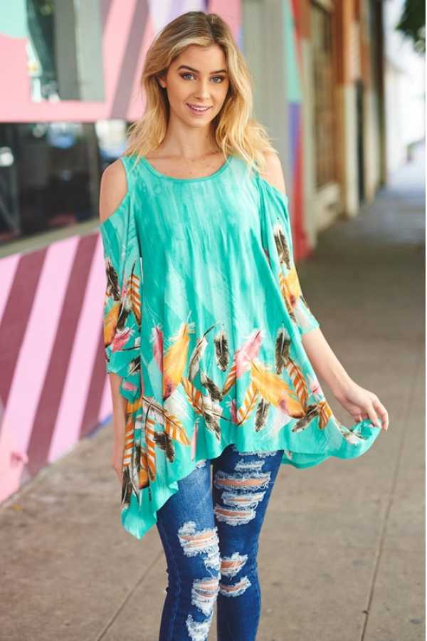 PLUS SIZE COLD SHOULDER FEATHER PRINT TUNIC TOP