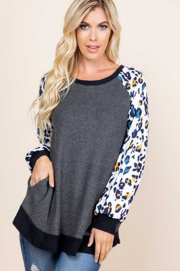 ANIMAL PRINT SLEEVE CONTRAST DETAILED TOP WITH POCKETS