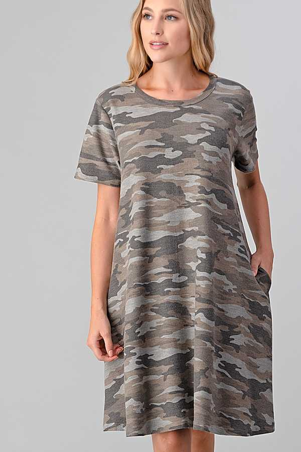 PLUS SIZE CAMOUFLAGE PRINT DRESS WITH POCKETS