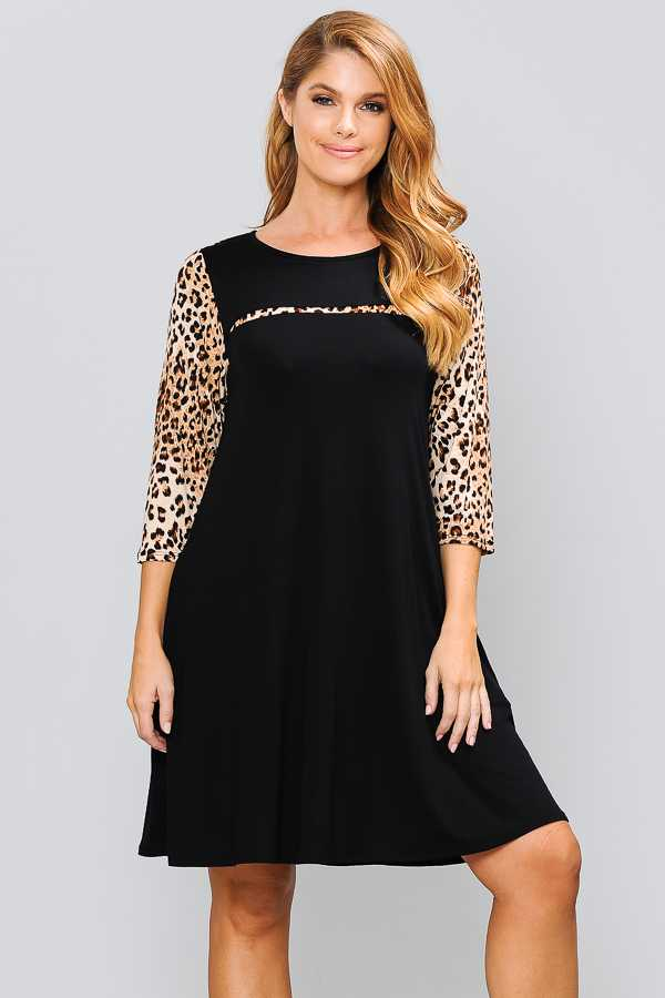 PLUS SIZE ANIMAL PRINT CONTRAST DRESS WITH POCKETS