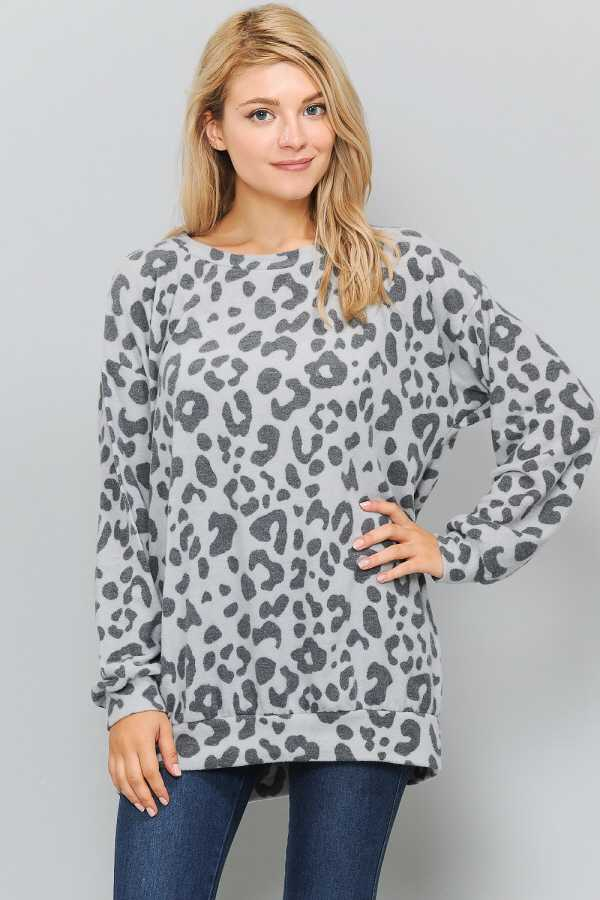 PLUS SIZE ANIMAL PRINT LONG SLEEVE TOP