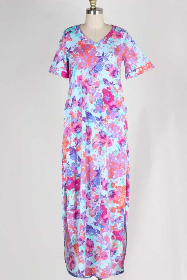 PLUS SIZE SLIT SIDE FLORAL PRINT MAXI DRESS WITH POCKETS