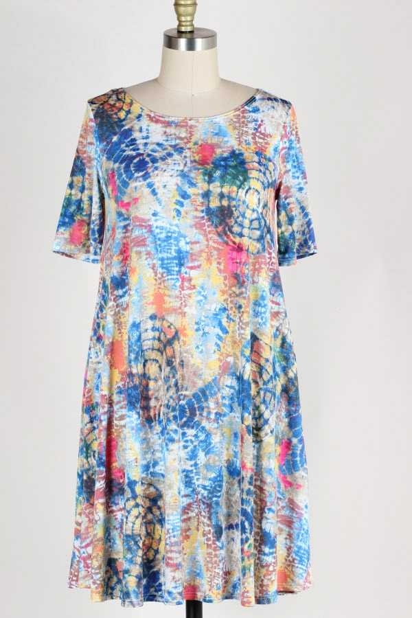 PLUS SIZE SHORT SLEEVE MULTICOLOR DRESS WITH POCKETS
