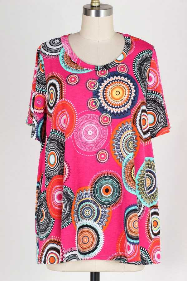 PLUS SIZE MEDALLION PRINT TUNIC TOP WITH POCKETS