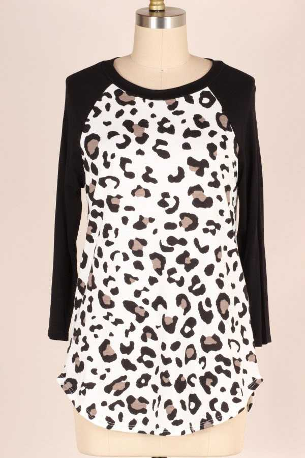 PLUS SIZE ANIMAL PRINT CONTRAST TUNIC TOP