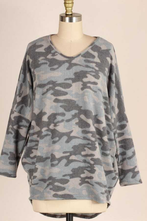 PLUS SIZE CAMOUFLAGE PRINT LOOSE FIT BRUSHED TUNIC TOP