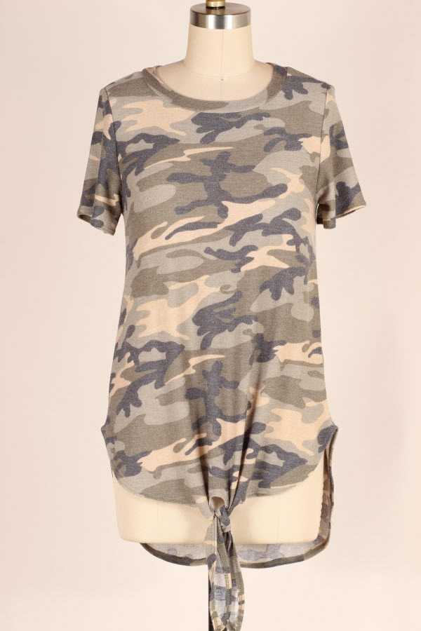 PLUS SIZE KNOTTED HEM CAMOUFLAGE PRINT TUNIC TOP