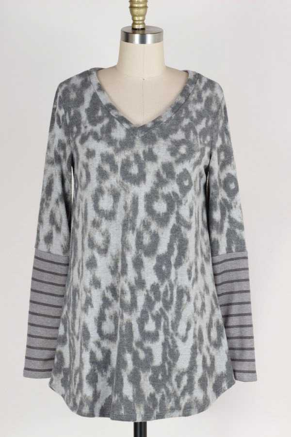 PLUS SIZE STRIPED ANIMAL PRINT CONTRAST BRUSHED TOP