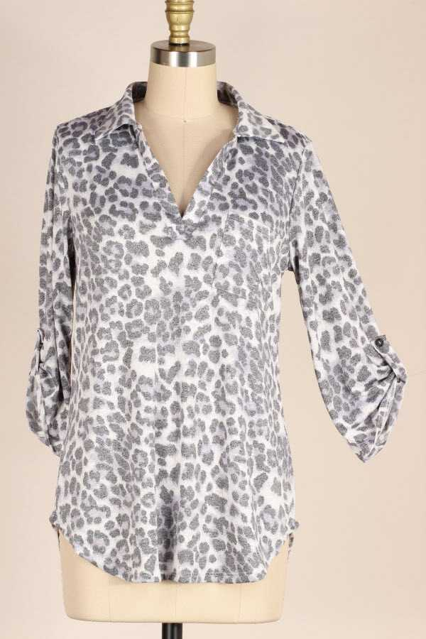 PLUS SIZE ROLL TAB SLEEVE LEOPARD PRINT POCKET BLOUSE