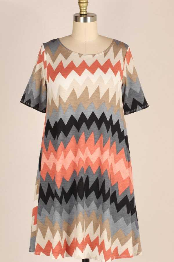 PLUS SIZE SHORT SLEEVE CHEVRON PRINT DRESS WITH POCKETS