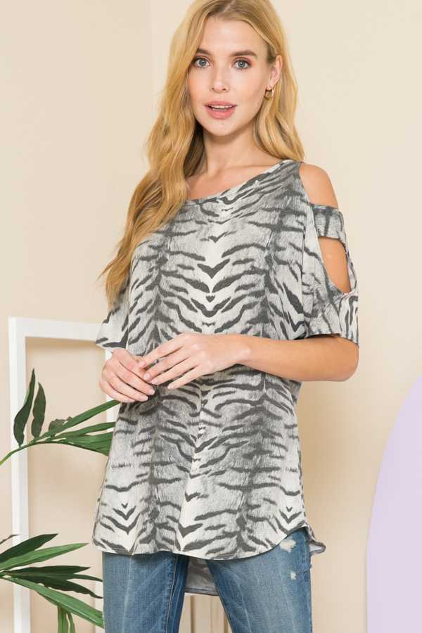 ANIMAL TIE DYE PRINT CUTOUT SHOULDER TOP