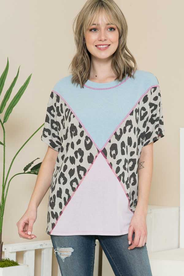 PLUS SIZE-CONTRAST ANIMAL PRINT TUNIC TOP
