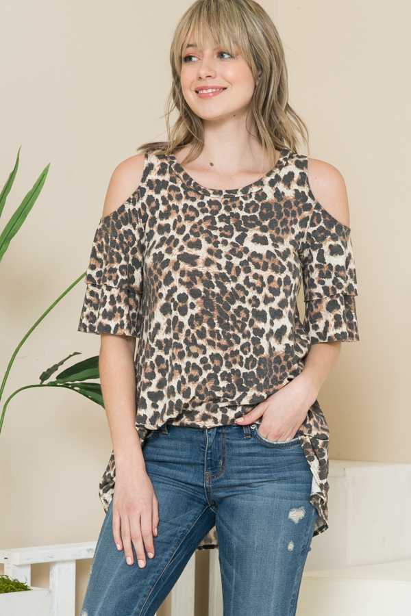 PLUS SIZE-LEOPARD PRINT OFF SHOULDER DETAIL TOP
