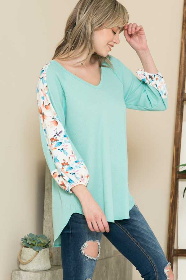 FLORAL CONTRAST SLEEVE TUNIC TOP