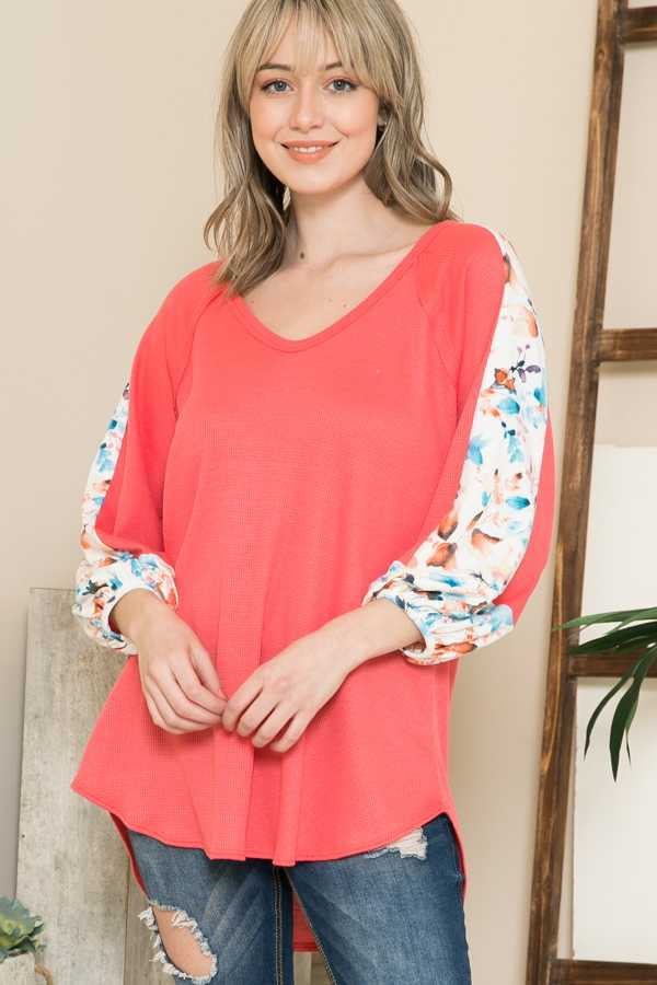 PLUS SIZE-FLORAL CONTRAST SLEEVE TUNIC TOP