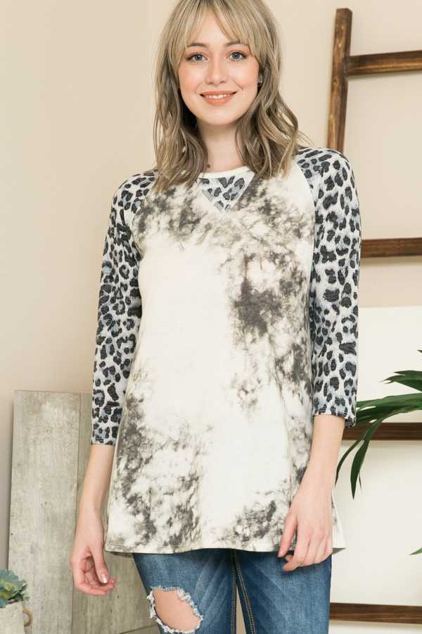 LEOPARD SLEEVE CONTRAST TUNIC TOP
