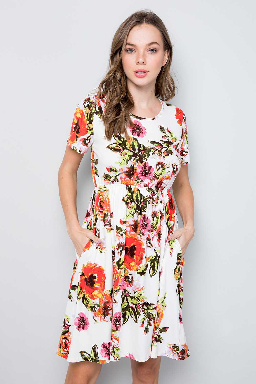 PLUS SIZE SHORT SLEEVE FLORAL PRINT DRESS WITH POCKETS