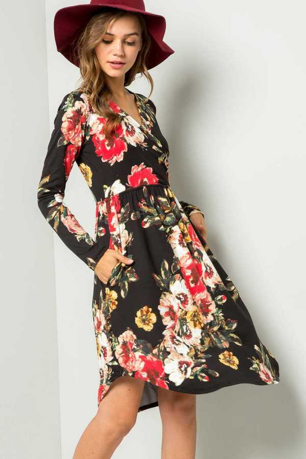 PLUS SIZE WRAPPED FLORAL PRINT DRESS WITH POCKETS
