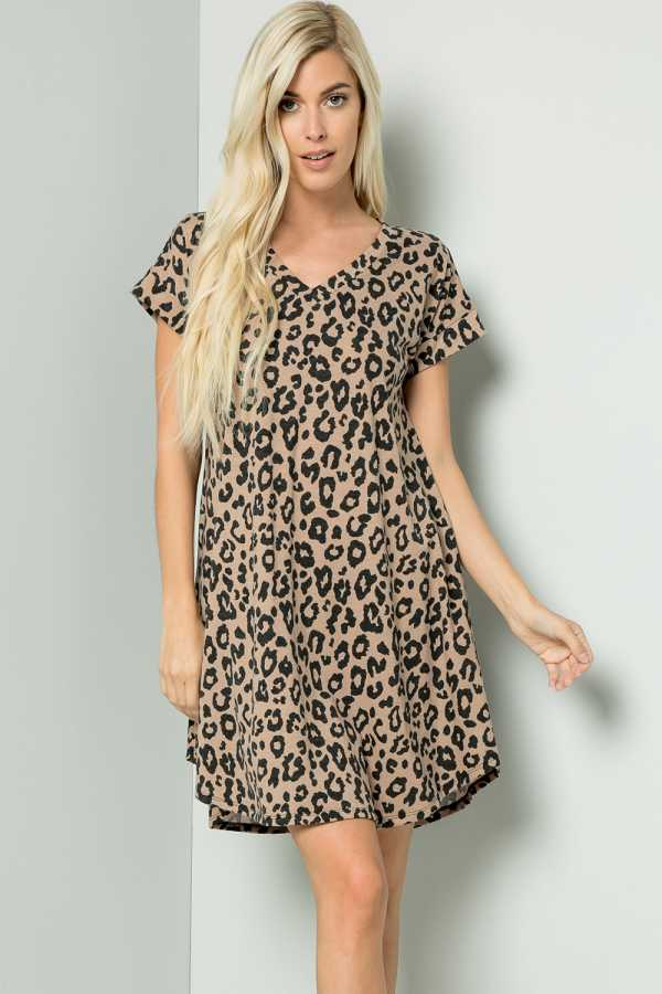 PLUS SIZE LEOPARD PRINT DRESS WITH POCKETS