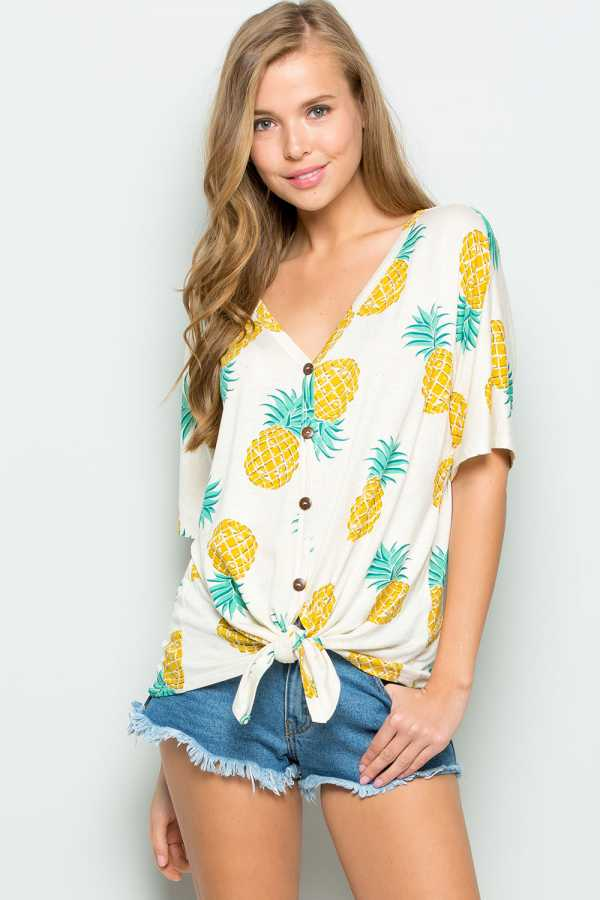 PLUS SIZE KNOTTED HEM PINEAPPLE PRINT BUTTON UP TOP
