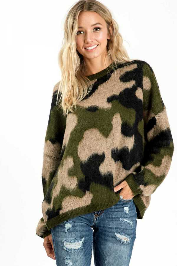 PLUS SIZE CAMOUFLAGE PRINT KNIT SWEATER