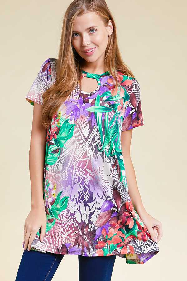 PLUS SIZE CHEST CUTOUT FLORAL PRINT TOP