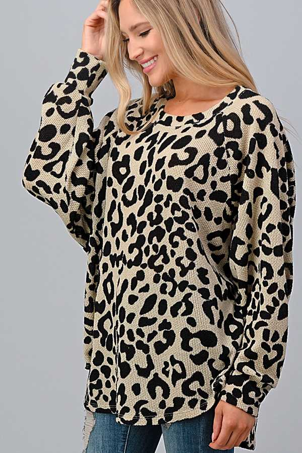 PLUS SIZE-BUBBLE SLEEVE ANIMAL PRINT TUNIC TOP
