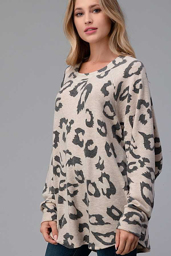EXTRA PLUS SIZE-ANIMAL PRINT ROUND NECK TOP
