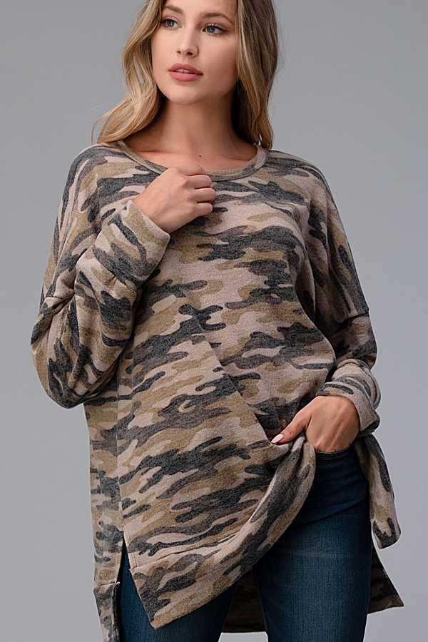 PLUS SIZE-CAMOUFLAGE PRINT LONG SLEEVE TUNIC TOP