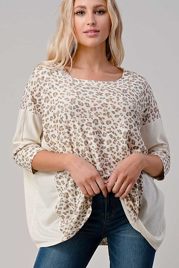 PLUS SIZE-ANIMAL PRINT DETAIL TUNIC TOP