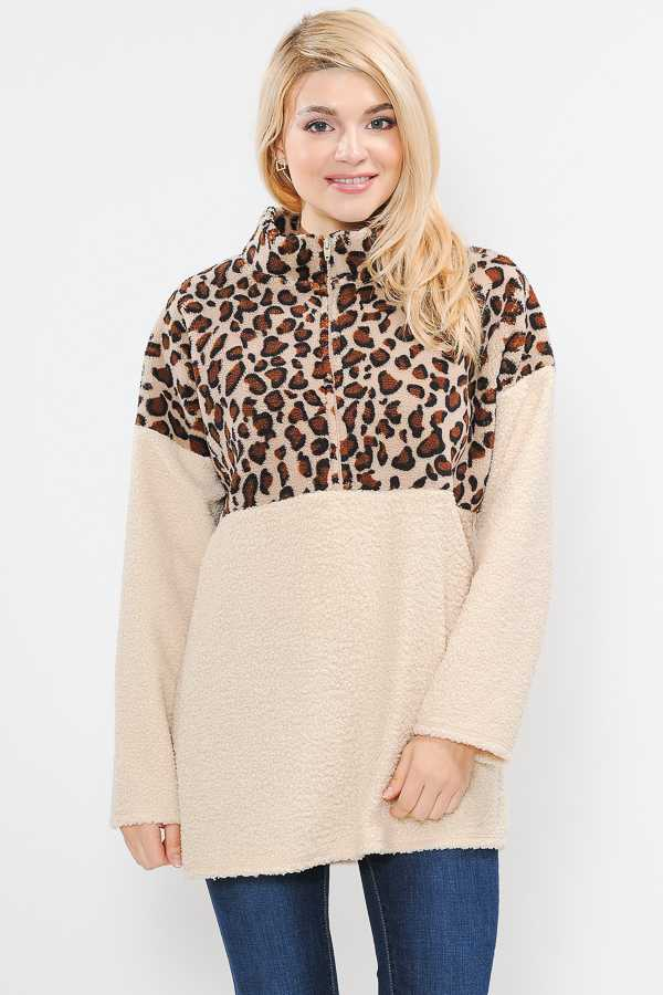 PLUS SIZE ANIMAL PRINT ZIP UP KNIT TOP
