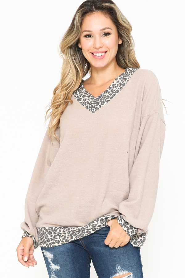 PLUS SIZE-V NECK CONTRAST TUNIC TOP