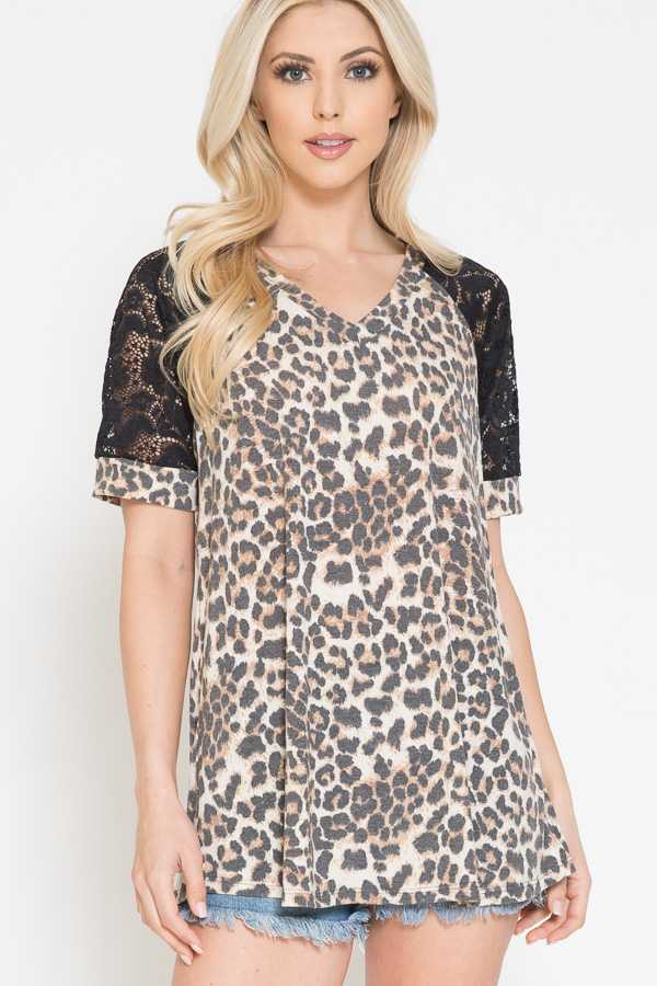 PLUS SIZE-LEOPARD PRINT DETAIL LACE SLEEVE TOP