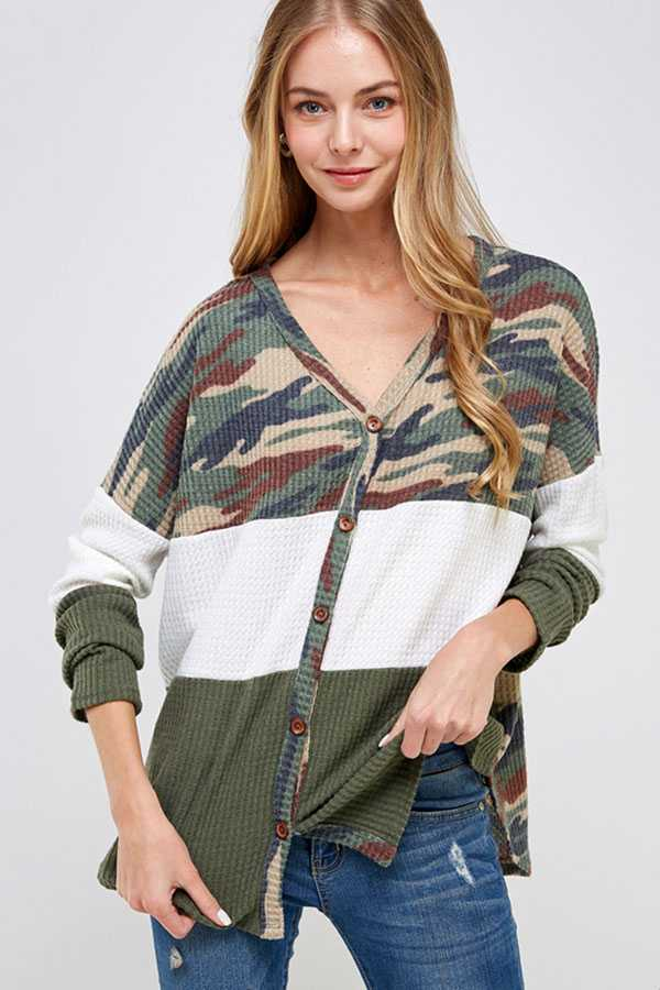 CAMOUFLAGE PRINT COLOR BLOCK BUTTON UP KNIT TOP