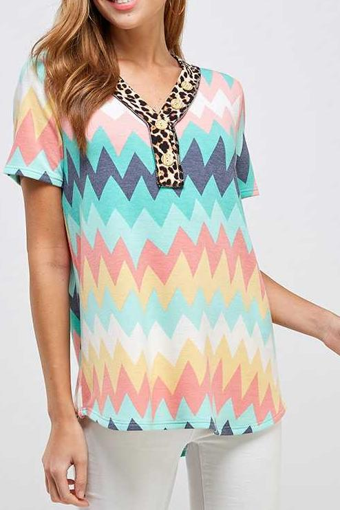 PLUS SIZE CHEVRON PRINT LEOPARD CONTRAST TUNIC TOP