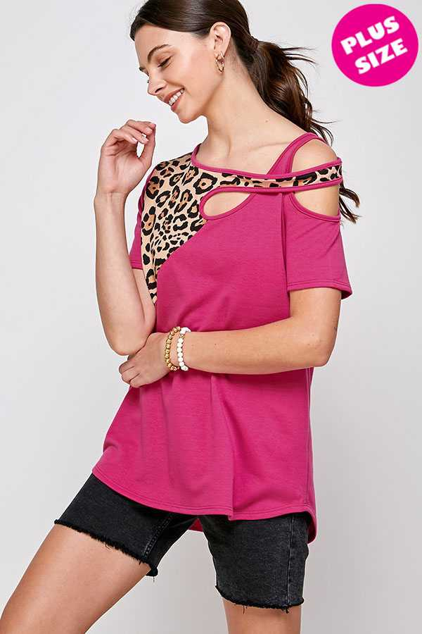 PLUS SIZE-ANIMAL DETAIL COLD SHOULDER TOP