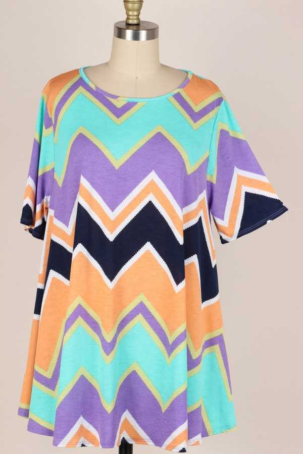 EXTRA PLUS SIZE-DETAIL CHEVRON PRINT TUNIC TOP