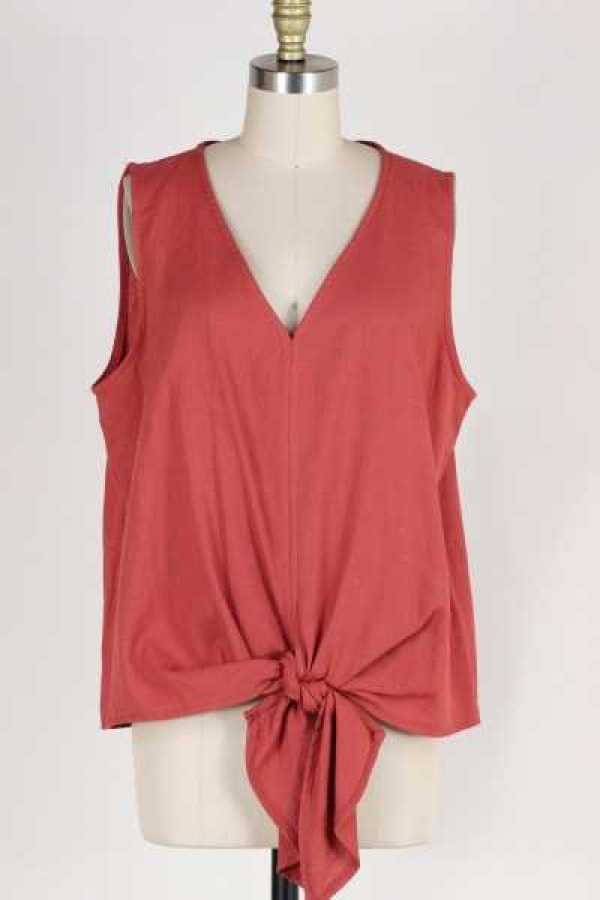 PLUS SIZE KNOTTED SLEEVELESS TOP